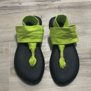 NWOT Sanuk Sandals